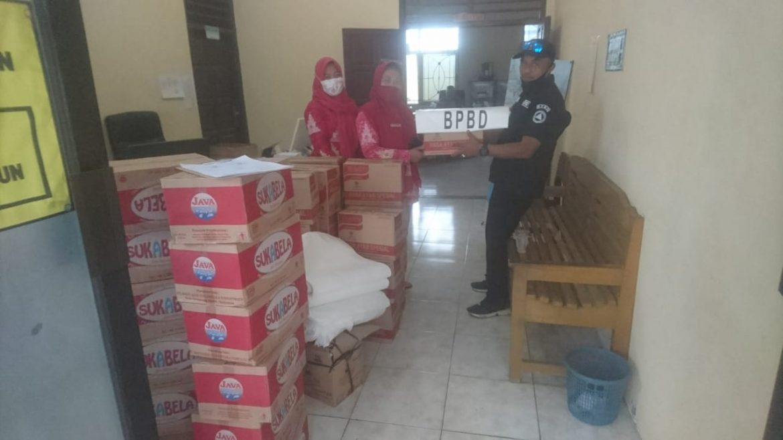 Penyerahan Bantuan Logistik Korban Bencana